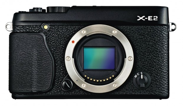 Hot Deal: Fujifilm X-E2 with XF 27mm F2.8 Lens for $899