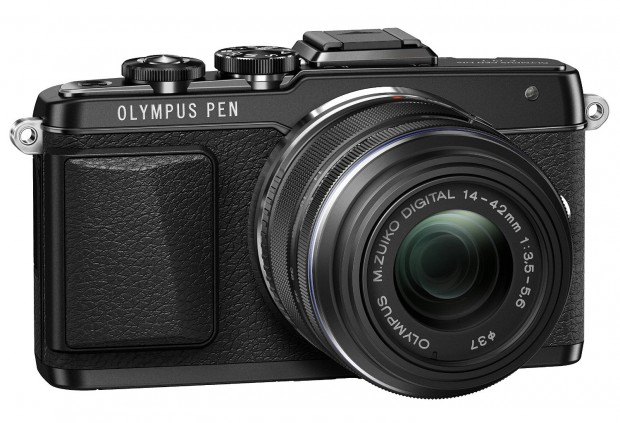 Olympus E-PL7 with 14-42mm II R lens