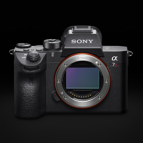 Hot Deal: $200 Off on Sony A7R III
