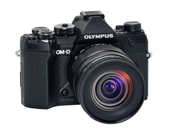 Hot Deal: $550 Off on Olympus OM-D E-M5 Mark III w/12-45mm Lens Kit